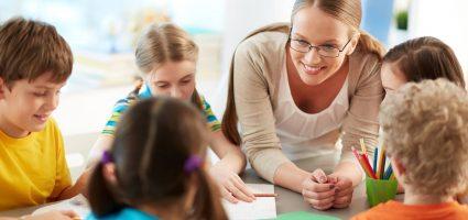 Ваш урок – це більше, ніж просто 45 хвилин. Адже він може бути переданий наступним поколінням. Навчаючи своїх учнів, ви передаєте знання всім, на кого ці діти впливатимуть в майбутньому.